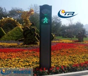 交通信号灯的颜色根据什么来选择